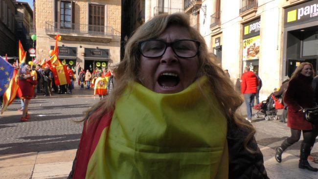 """Una mujer catalana: """"Me cago en la madre que parió"""" al separatismo, """"somos españoles"""""""