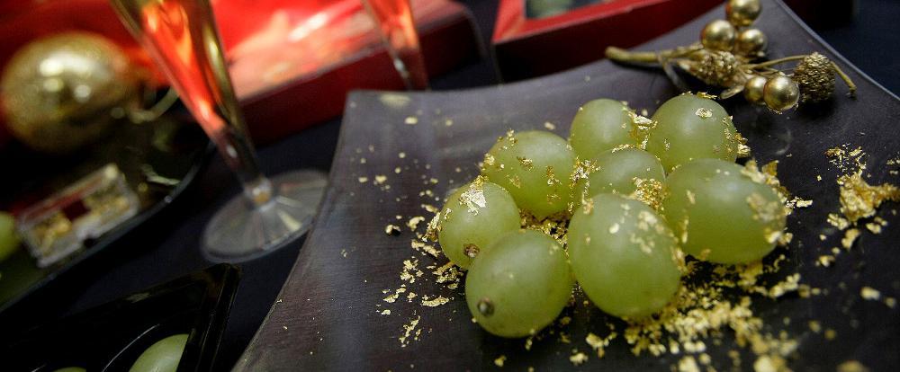 Las «Doce Uvas de la suerte» para el año nuevo, una tradición única española