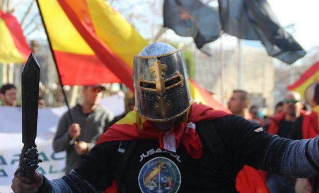 """160 mil personas claman """"justicia salarial"""" en Barcelona bajo """"Equiparación ya"""""""