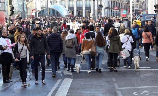 Hoy habla el cis lasvocesdelpueblo for Puerta del sol hoy