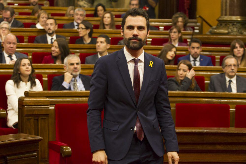 ERC y JxCAT desoyen a Juristas del Parlamento y avalan el voto delegado de Puigdemont
