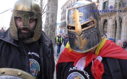 """2 Policías a Rajoy: """"Le pedimos que se nos equipare"""" el sueldo con los Mozos"""