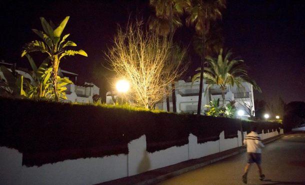 Herida muy grave, una mujer en Estepona (Málaga) y detenido, su marido