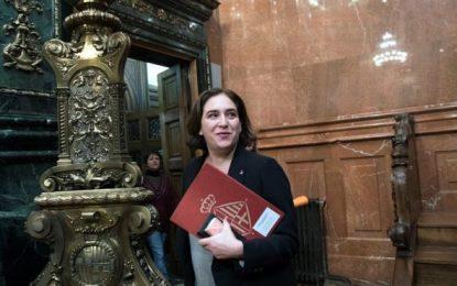 Ada Colau a la calle, la oposición tiene 30 días para formar un gobierno