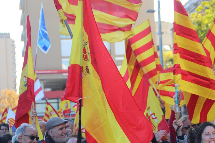 """Convocan """"acampada Nacional"""" en Pl. de Cataluña (Bcn) ocupada por fascistas de República"""