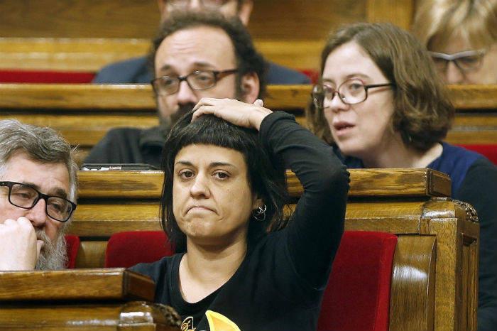 Amiga catalana con su novio - 1 part 4