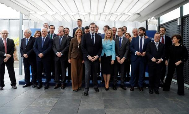 El PP de Rajoy, solo negocio y financiación
