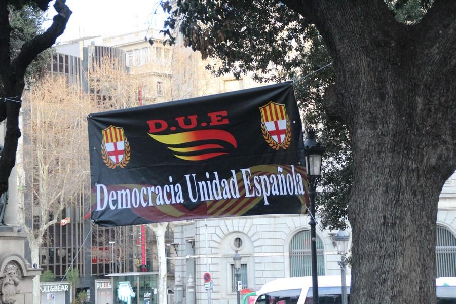 """(DUE) organiza la """"detención y extradición de Puigdemont a España"""""""