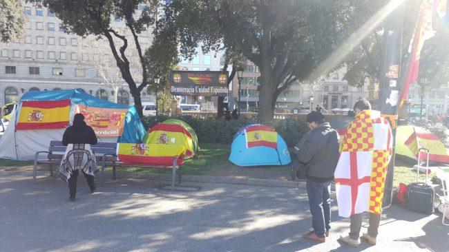 """""""Acampada Nacional"""" en defensa de la Pl. de Cataluña ocupada por fascismo de República"""