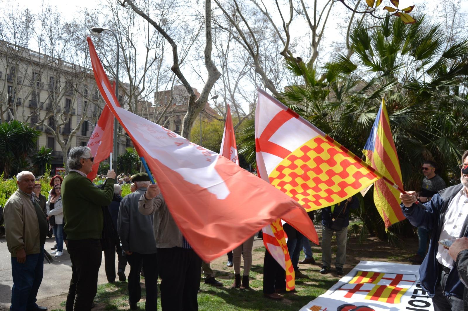 Jubilados separatistas increpan a jubilados españoles de Tabarnia