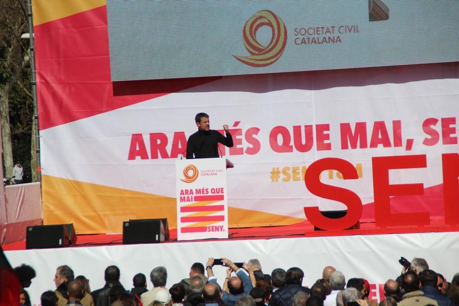 Francia a Cataluña: «Sigan orgullosos de ser españoles, el independentismo es mentira»