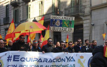 Firman acuerdo de Equiparación Salarial con los Mozos: 561 € a Policía y 720 € a Guardia C.