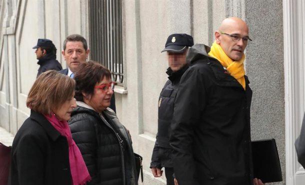"A prisión Carme Forcadell, Jordi Turull, Raúl Romeva y Dolors Bassa por ""rebelión"""