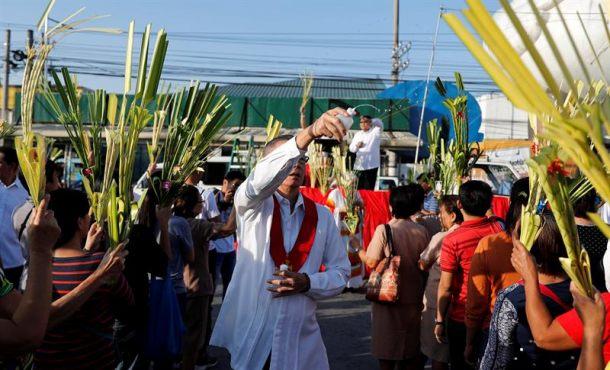 Millones de fieles acuden a las iglesias en el «Domingo de Ramos»