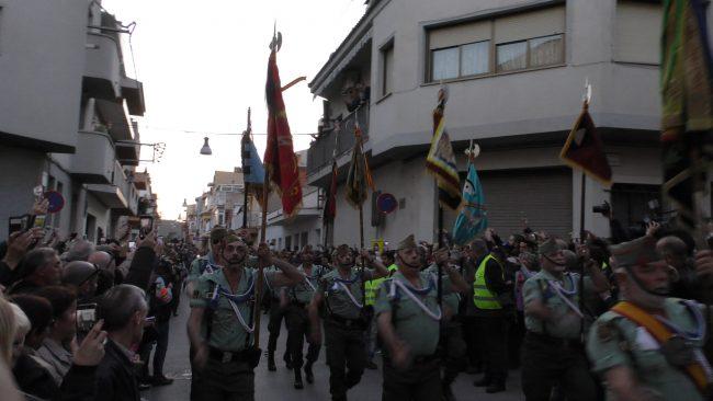 15 mil personas reciben a la Virgen y Cristo en Palafolls con «Viva España y La Legión»