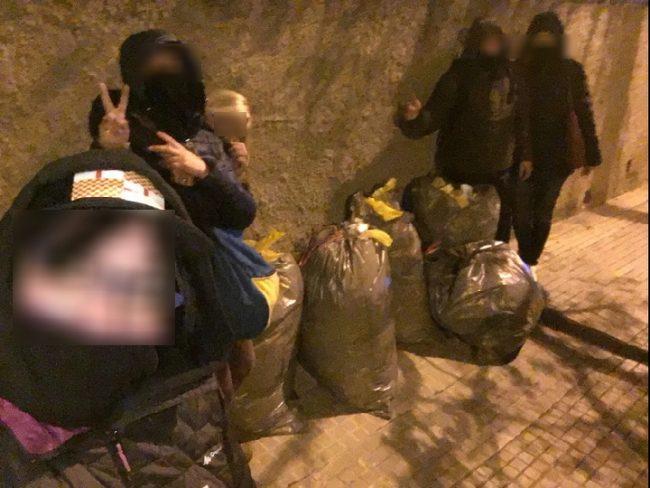 Un concejal y policía separatista acosan a disidentes pacíficos en Papiol (Barcelona)
