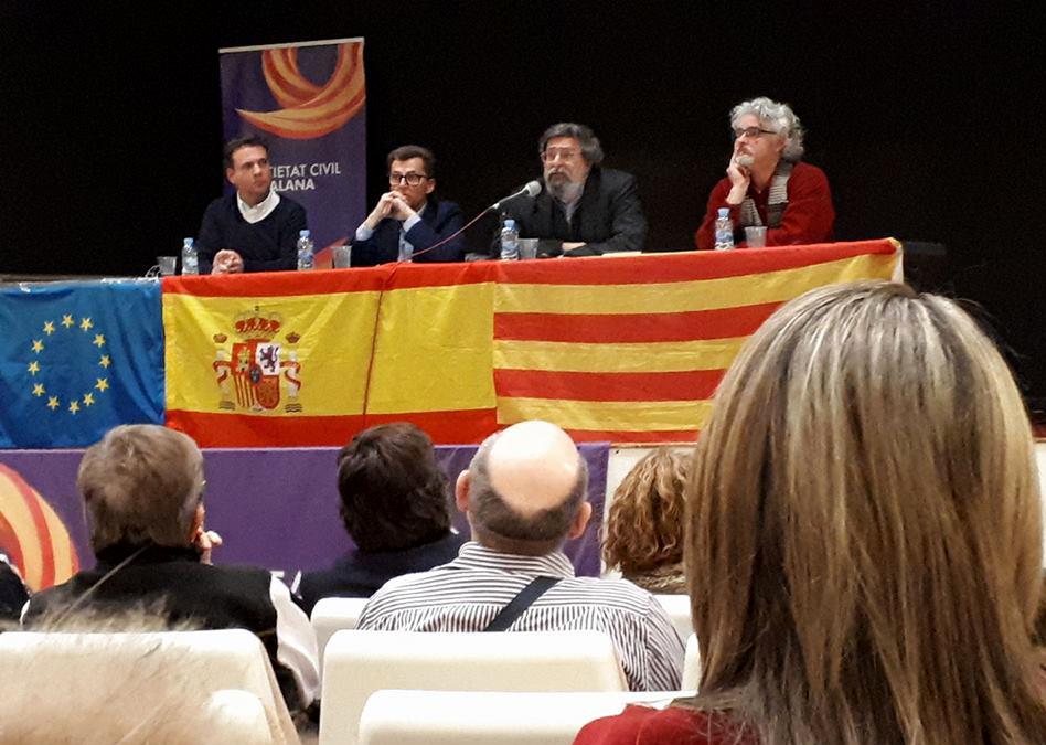 """Un profesor destroza al separatismo en Tarragona: """"El Catalanismo es una ideología caníbal"""""""