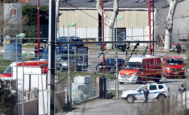 Abatido el terrorista de la toma de rehenes en supermercado en Trèbes (Carcasona) Francia