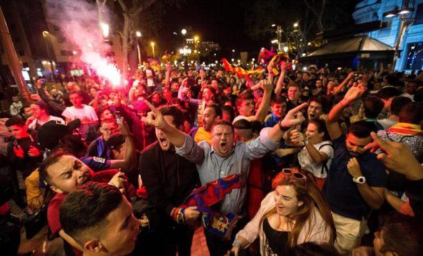Barcelonistas se citan en Canaletas con escasa presencia de banderas independentistas