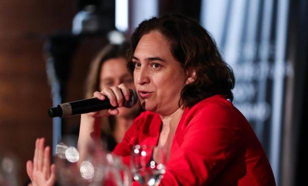 Ada Colau habla ahora de desahucios a 1 año de las elecciones