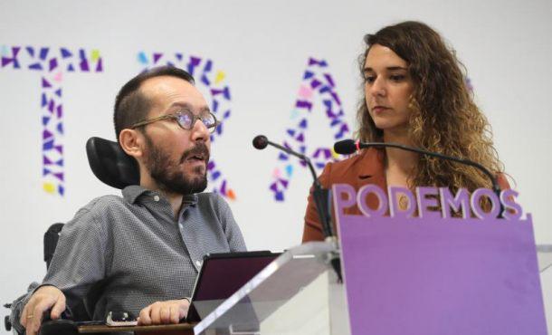 """Podemos carga contra """"el toque de silbato del Rey"""" y Pedro Sánchez por traidor"""