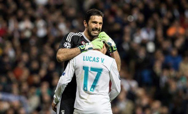 La afición del Real Madrid despidió en pie y con ovación a Buffon