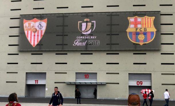 El Sevilla con máster en finales se enfrenta hoy a un rival herido, FC Barcelona