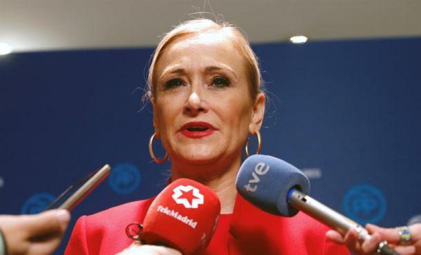 Cifuentes abandona a su suerte por Rajoy y el PP