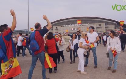 VOX reparte 20 mil banderas en la Final Copa del Rey entre Sevilla y FC Barcelona