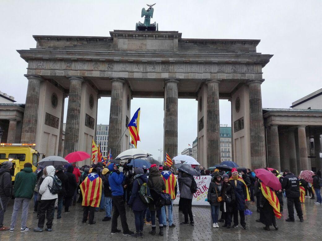 "Pinchazo letal del acto ANC en Berlín para exigir la ""libertad de Puigdemont"""