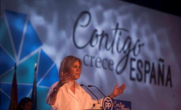 """Cospedal: El PP """"salvó a España de rebelión"""" y los """"líquidos"""" (Ciudadanos) recogen las frutas"""
