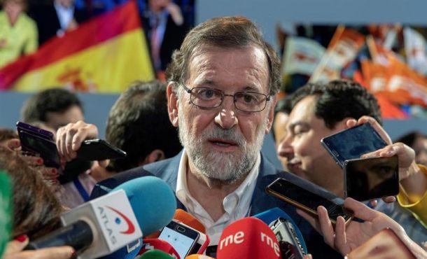 """Rajoy no está """"preocupado"""" por Puigdemont porque """"aplicó el 155"""" y exige """"gobierno"""" ya"""
