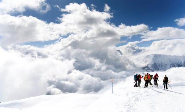 Tres españoles muertos y dos heridos en una avalancha de nieve en Suiza