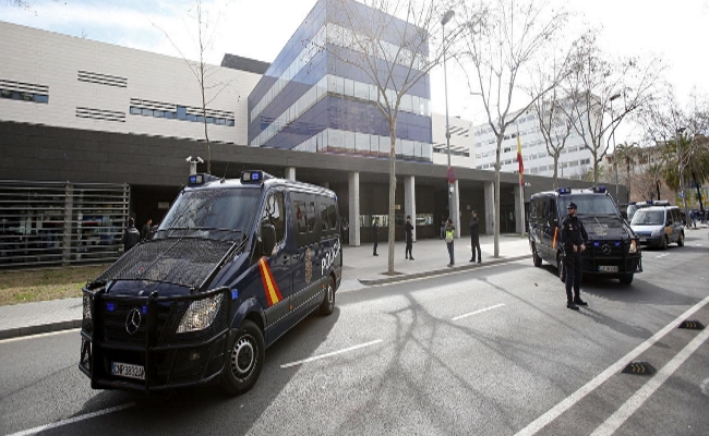 "Carta de un Policía Nacional a Quim Torra: ""Usted es un paleto con ideas nazi"""