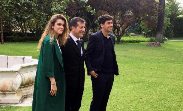 Representantes españoles en Eurovisión Amaia y Alfred con el embajador de España en Portugal