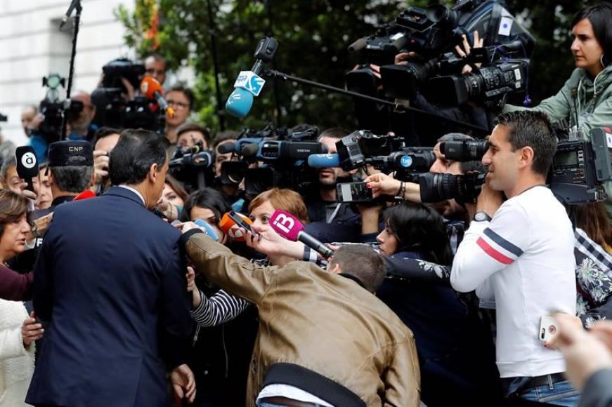 El PP: La dimisión de Rajoy no se contempla