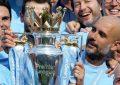 El Manchester City recibe el trofeo de campeón