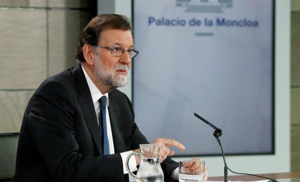 """Rajoy critica la """"manía de Ciudadanos Cs"""" y luchará para ganar la """"censura"""" del PSOE y Sánchez"""