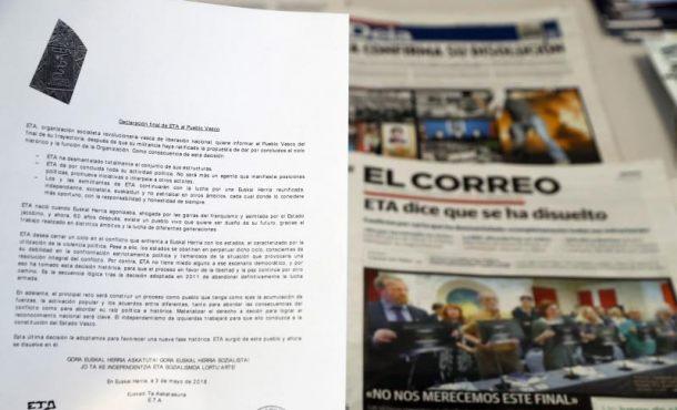 """ETA anuncia el """"final de su trayectoria"""" y su """"disolución"""" definitiva"""