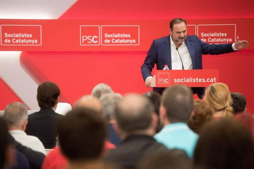 Gobierno de Sánchez: Los inmigrantes del Aquarius quedarán en el cuneta después de mes