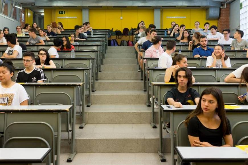 Casi el 100% de los alumnos aprueba la selectividad en España