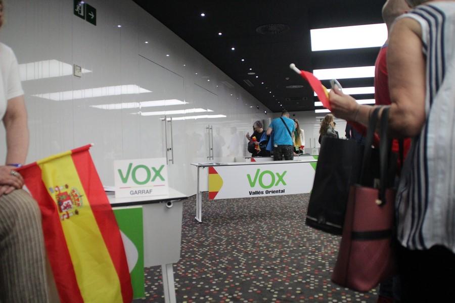 """VOX garantiza que los """"datos de nuestros afiliados y donantes"""" están protegidos"""