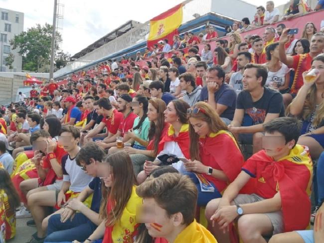 Más de 4 mil personas animan a España en su debut en el Mundial 2018 en Barcelona