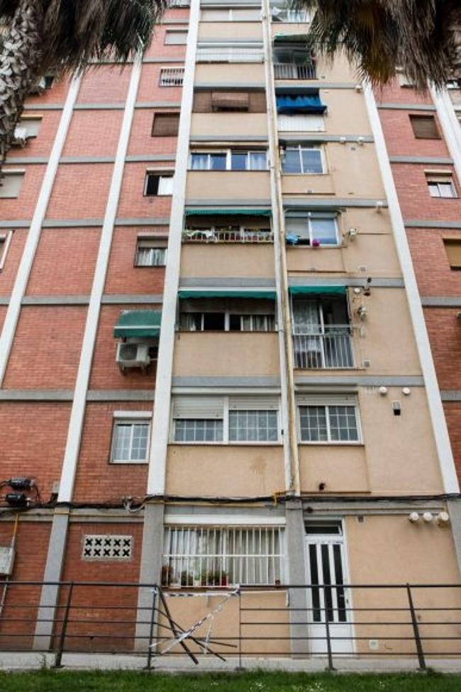 Se suicida durante su desahucio por impago de alquiler al banco en Cornellà (Barcelona)