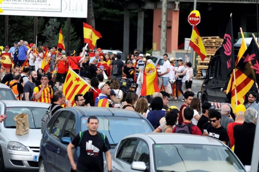 Fracasa el boicot de los CDR al Rey en Gerona ante la resistencia de VOX