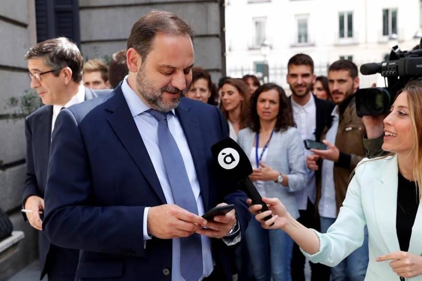 """El PSOE dice que aún no tiene """"ningunas alianzas con los independentistas"""""""