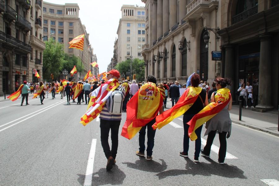 Fletan autobuses gratuitos para ir al 17-Junio y apoyar a los escolares perseguidos en Cataluña