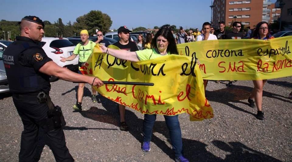 Quim Torra se suma a la concentración de fascistas CDR, ANC y Òmnium contra España en Tarragona