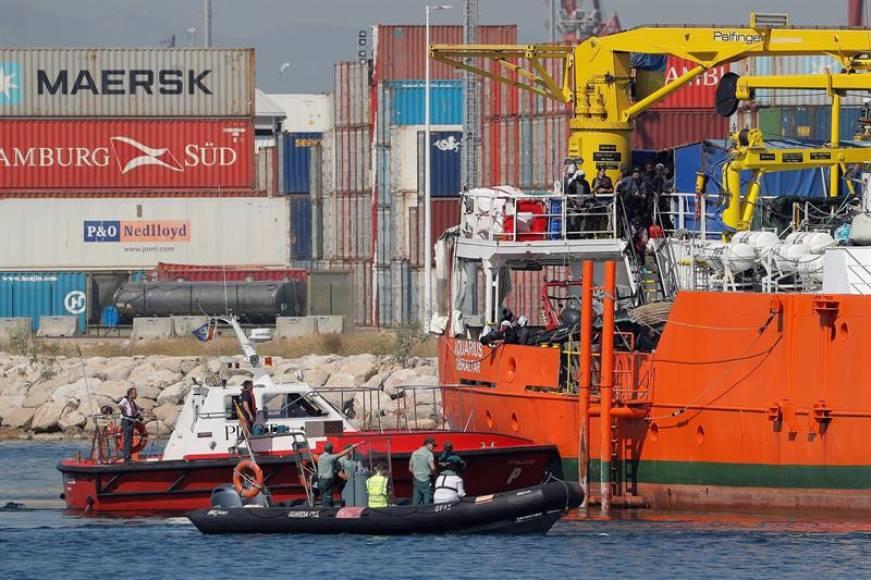 Inmigrantes del Aquarius atendidos en varios hospitales tras su llegada a España
