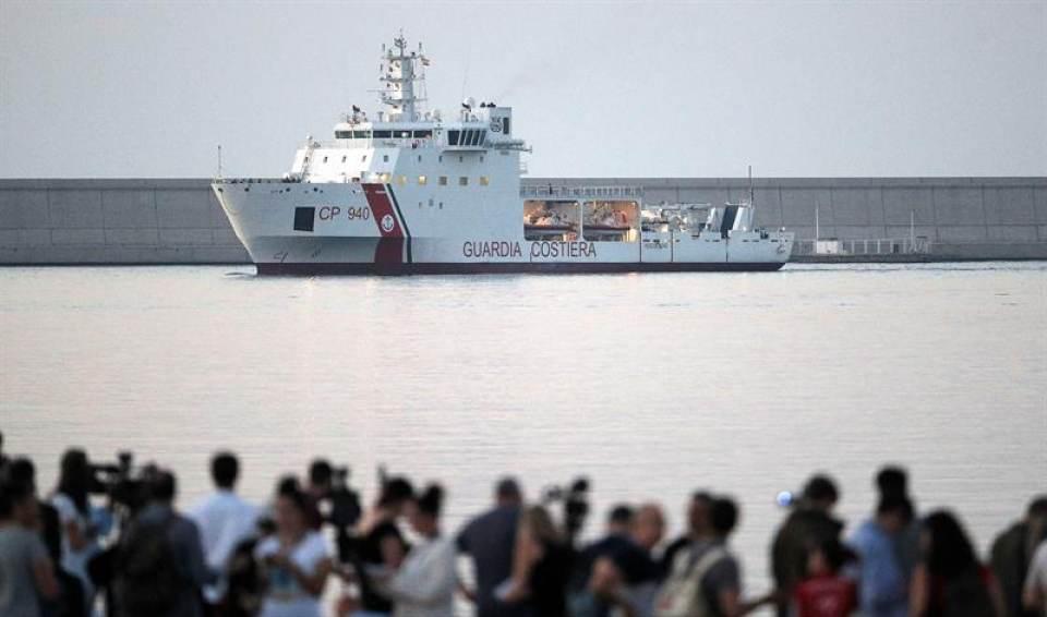 274 de los 630 inmigrantes del barco «Aquarius» llegan a Valencia (España)